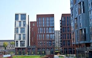«Садовые Кварталы» - это уникальный проект элитного жилого комплекса, единственный в ЦАО г. Москва. Это целый район клубных монолитно-кирпичных домов, спроектированный и строящийся по единому дизайн-коду, разработанному главным архитектором и генеральным проектировщиком проекта Сергеем Скуратовым
