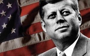 Убийство тридцать пятого президента США Джона Кеннеди совершено в пятницу 22 ноября 1963 года в Далласе (штат Техас) в 12:30 по местному времени. Кеннеди был смертельно ранен выстрелом из винтовки, когда он вместе со своей женой Жаклин ехал в президентском кортеже по Элм-Стрит.