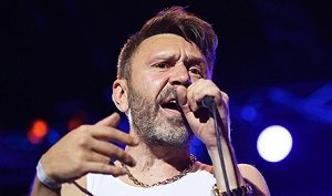 Российский рок-музыкант, киноактёр, телеведущий, художник и композитор, лидер групп «Ленинград» и «Рубль»