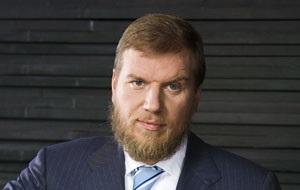 Российский предприниматель, совладелец холдинга «Промсвязькапитал», в который входят один из крупнейших российских банков Промсвязьбанк, IT-компания «Техносерв», а также издательский «Аргументы и Факты»