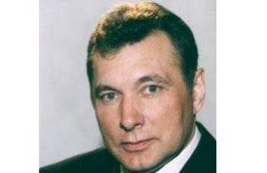 Представитель в Совете Федерации от Тюменской области (2001—2005), министр энергетики РФ (2000—2001), мэр г. Когалыма (1996—2000) глава администрации г. Когалыма (1993—1996), председатель профкома АООТ «ЛУКойл-Когалымнефтегаз» (1989—1993)