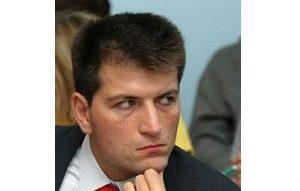 Владелец компании «Дантон», бывший представитель в Совете Федерации от Смоленской области, бывший председатель Совета АКБ «Диамант», член правления ФК «ИНТЕРФИНАНС»