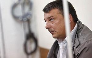 Генерал-майор, бывший начальник управления собственной безопасности Следственного комитета России. Арестован по делу о получении особо крупной взятки.