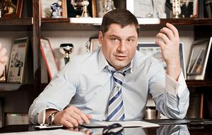 """Российский предприниматель и финансист. Основной владелец ПАО «Бинбанк» (59,4%). Вместе с семьёй Гуцериевых, является совладельцем «МДМ Банка» (84,38%), а также пенсионной группы БИН, в которую входит пенсионный администратор ООО «САФМАР Пенсии» (100% дочерняя компания БИНБАНКа), а также НПФ «Европейский пенсионный фонд», НПФ «Доверие», НПФ «Образование и Наука», НПФ «Регионфонд» и приобретённый в октябре 2015 года НПФ «Райффайзен». Является совладельцем группы компаний «Европлан». Также является совладельцем крупных активов в сфере недвижимости, в частности, владеет ЗАО «ИНТЕКО» и ЗАО «Патриот» (совокупный пакет акций составляет 95%), ПАО """"Моспромстрой"""", градостроительный проект в Новой Москве «А101»"""