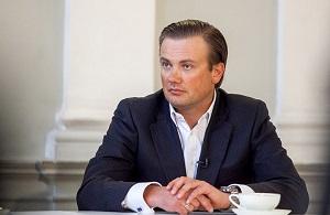 """Совладелец британской инвесткомпании Venture Investments & Yield Management,соучредитель ЗАО """"Тристар Инвестмент Холдингс"""" , бывший исполнительный директор гостиницы """"Прибалтийская"""""""