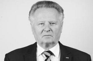 Полковник армии в отставке, советник Российского военно-исторического общества, совладелец ЗАО «Корпорация «Я»,