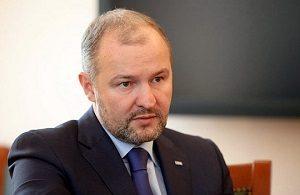 Владелец AEON Corporation, советник президента государственной компании «Роснефть», бывший Президент Объединенная судостроительная корпорация