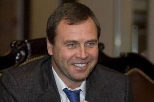 """Президент Группы """"Гута"""" с мая 2003 г., генеральный директор управляющей компании """"Объединенные кондитеры"""" с декабря 2004 г."""