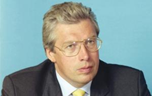 Бывший Президент и основной владелец НПО «Космос», в России заочно арестованный по обвинению в мошенничестве и хищении у Банка Москвы 12 млрд рублей