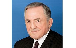 Член Комитета Совета Федерации по конституционному законодательству и государственному строительству. Представитель от исполнительного органа государственной власти Республики Калмыкия