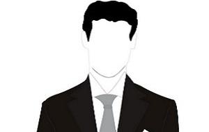 Начальник 4 Управления Главного военно-медицинского управления Министерства обороны. Ранее возглавлял ООО «Д энд Д Фарма»