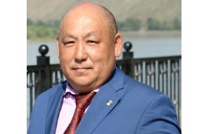 Депутат Законодательной палаты Великого Хурала Тувы. Занимается «честным бизнесом ликёро-водочного сектора»
