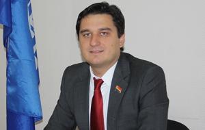 Член Комитета Совета Федерации по экономической политике. Представитель от законодательного (представительного) органа государственной власти Калининградской области