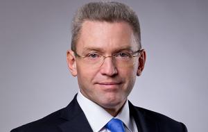 Член Комитета Совета Федерации по бюджету и финансовым рынкам. Представитель от исполнительного органа государственной власти Новгородской области