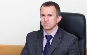 Член Комитета Совета Федерации по экономической политике. Представитель от законодательного (представительного) органа государственной власти Томской области