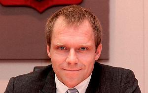 Член Комитета Совета Федерации по экономической политике. Представитель от законодательного (представительного) органа государственной власти Санкт-Петербурга