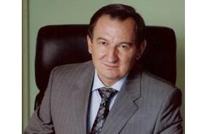 Член Комитета Совета Федерации по бюджету и финансовым рынкам. Представитель от исполнительного органа государственной власти Кемеровской области