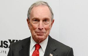 Предприниматель и 108-й мэр Нью-Йорка. Входит в число самых богатых людей мира по версии Forbes, на 2016 год он занимает 8-е место с состоянием в 45,6 млрд долларов. Является учредителем и владельцем информационного агентства Bloomberg