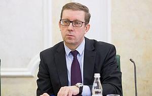 Первый заместитель председателя Комитета Совета Федерации по экономической политике. Представитель от законодательного (представительного) органа государственной власти Республики Калмыкия