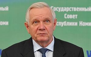 Член Комитета Совета Федерации по науке, образованию и культуре. Представитель от законодательного (представительного) органа государственной власти Республики Коми