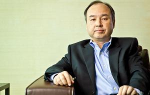 Японский предприниматель корейского происхождения, основатель и генеральный директор компании SoftBank, председатель совета директоров телекоммуникационной компании Sprint, миллиардер
