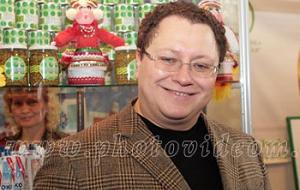 Гендиректор «Консервный завод «Саранский», бывший ген директор «Мордовское агропромышленное объединение», владеет долей ООО «Маслопродукт», ООО «Верхисское»