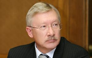 Член Комитета Совета Федерации по международным делам. Представитель от исполнительного органа государственной власти Республики Татарстан