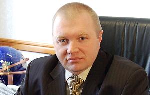 Член Комитета Совета Федерации по экономической политике. Представитель от законодательного (представительного) органа государственной власти Тульской области