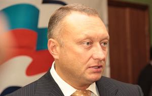 Член Комитета Совета Федерации по бюджету и финансовым рынкам. Представитель от исполнительного органа государственной власти Тульской области