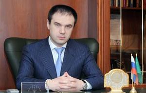 Член Комитета Совета Федерации по Регламенту и организации парламентской деятельности. Представитель от законодательного (представительного) органа государственной власти Республики Адыгея