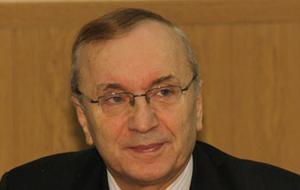 Член Комитета Совета Федерации по федеративному устройству, региональной политике, местному самоуправлению и делам Севера. Представитель от исполнительного органа государственной власти Мурманской области