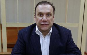 Российский бизнесмен, продюсер, старший брат Елены Батуриной