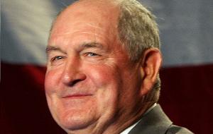 Американский политический деятель, губернатор штата Джорджия в 2003—2011 годах. Первый со времён Реконструкции губернатор Джорджии от Республиканской партии. 18 января 2016 года стало известно, что Пердью станет министром сельского хозяйства в администрации Дональда Трампа