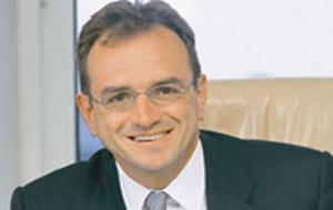 Турецкий бизнесмен, миллиардер и руководитель крупного холдинга «Enka»