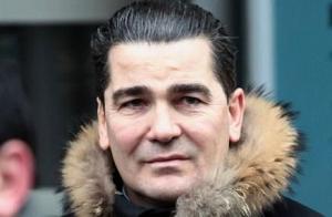 Французский бизнесмен, глава PR-агентства Riwal, бывший лидер ультраправой молодежной группировки GUD и близкий друг Марин Ле Пен.