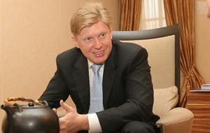 Акционер «ВСМПО-Ависмы». Генеральный директор ООО «Проминвест», бывший президент Российского банка реконструкции и развития