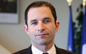Французский политик-социалист. Кандидат на президентских выборах 2017 года