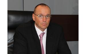 Владелец, бывший генеральный директор ОАО «Генеральная строительная компания» (генподрядчик при строительстве «Кресты-2» — крупнейший следственный изолятор в Европе) (заключен под стражу, его обвиняют в растрате).