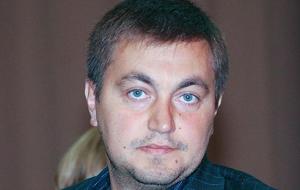 Молдавский политик, юрист и бизнесмен, бывший депутат парламента Молдовы (с 2009 по 2010). Шестой в списке молдавских миллионеров и в последние годы он был публично обвинён в мошенничестве и экономических преступлениях. Прозван в СМИ «рейдером номер 1 в СНГ».