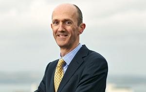 Старший партнер, менеджер по инвестициям и директор Baillie Gifford & Co