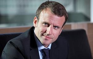 Французский политик, бывший инвестиционный банкир. 26 августа 2014 года он был назначен министром экономики, промышленности и цифровых дел во втором правительстве Вальса. Он подал в отставку 30 августа 2016 года, намерен участвовать в президентских выборах 2017 года