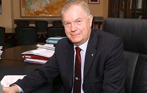 Cоветник Президента Российской Федерации по вопросам изменения климата (с 2009 года). В 1993—2009 годах — руководитель Федеральной службы по гидрометеорологии и мониторингу окружающей среды России (Росгидромет)