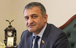 Президент Южной Осетии, военный и государственный деятель частично признанной республики Южная Осетия. Председатель Парламента Республики Южная Осетия с 23 июня 2014 года