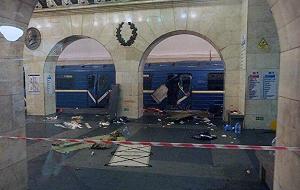 На синей ветке метро Санкт-Петербурга произошел взрыв. Погибли 14 человек, 62 пассажира получили ранения. В городе объявлен трехдневный траур. Владимир Путин назвал теракт приоритетной версией произошедшего. Политологи прогнозируют завинчивание гаек в качестве реакции властей