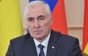 Государственный и политический деятель частично признанной республики Южная Осетия и её третий президент с 19 апреля 2012 года