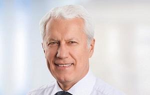 Председатель Совета директоров СУЭК , членом Совета директоров Lambert Energy Advisory Ltd. (Великобритания) и Barloworld (ЮАР). Выступает соучредителем и директором Access Oil and Gas (Великобритания), а также соучредителем и управляющим директором Bernotat & Cie (Германия). Член наблюдательного совета в компании The Mobility House AG (Швейцария).