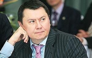Казахстанский политик, бизнесмен и дипломат. Доктор медицинских и экономических наук. Имел звание генерал-майора (с августа 1999), дипломатический ранг Чрезвычайного и Полномочного Посла I класса