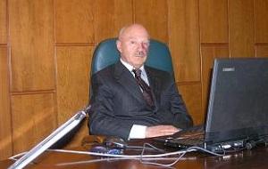 Советский и российский спортивный работник и предприниматель. Основной владелец Олимпийский комплекс Лужники
