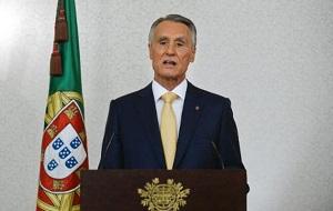 Португальский политический деятель, президент Португальской Республики с 9 марта 2006 года по 9 марта 2016 года, премьер-министр Португалии с 6 ноября 1985 года по 28 октября 1995 года.