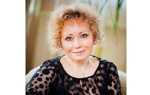 Директор по международному сотрудничеству ОКР, член комиссии МОК «Женщины и спорт» - председатель